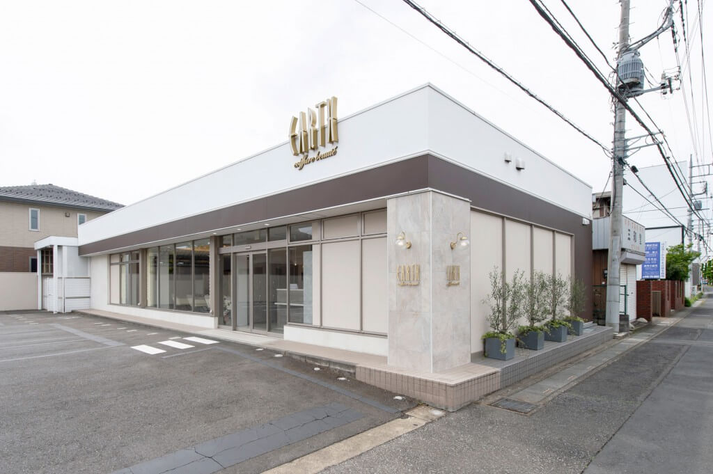 EARTH coiffure beaute 上尾店 / Saitama