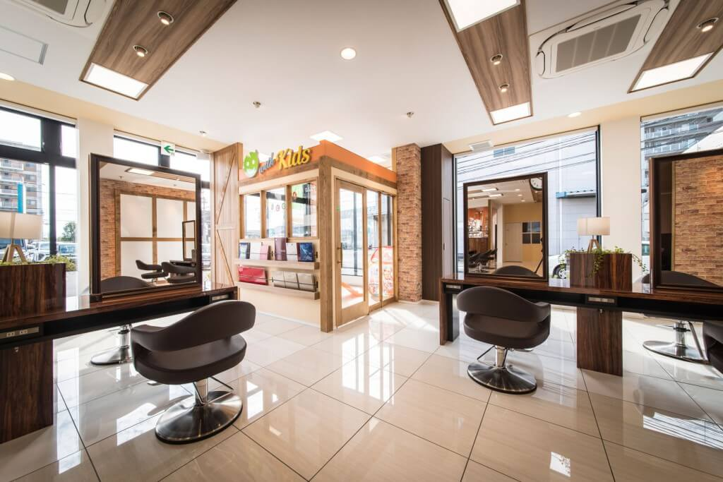 HAIR&MAKE EARTH 霧島国分店 / Kagoshima