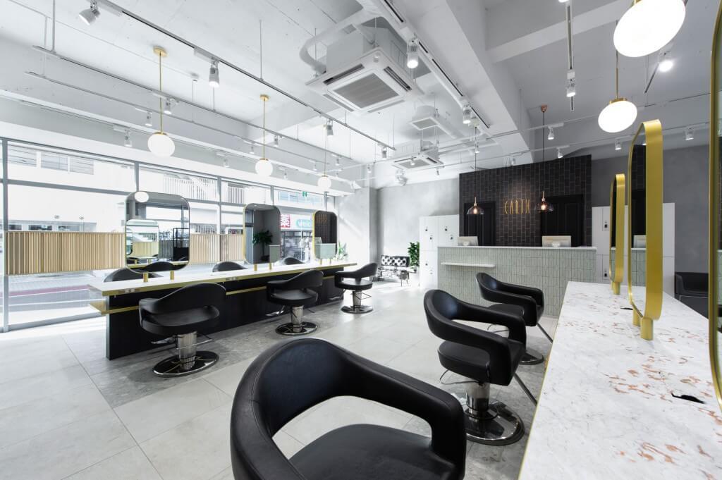 HAIR&MAKE EARTH 春日部店 / Saitama