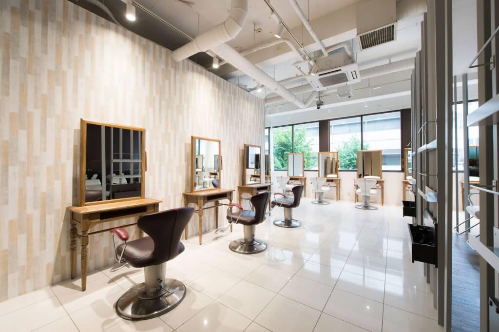 HAIR&MAKE EARTH 本厚木店 / Kanagawa