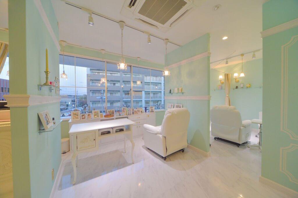 mary nail&eyelash 学園前店 / Nara